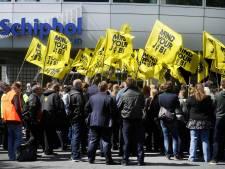 Beveiligers kondigen staking van 24 uur op Schiphol aan
