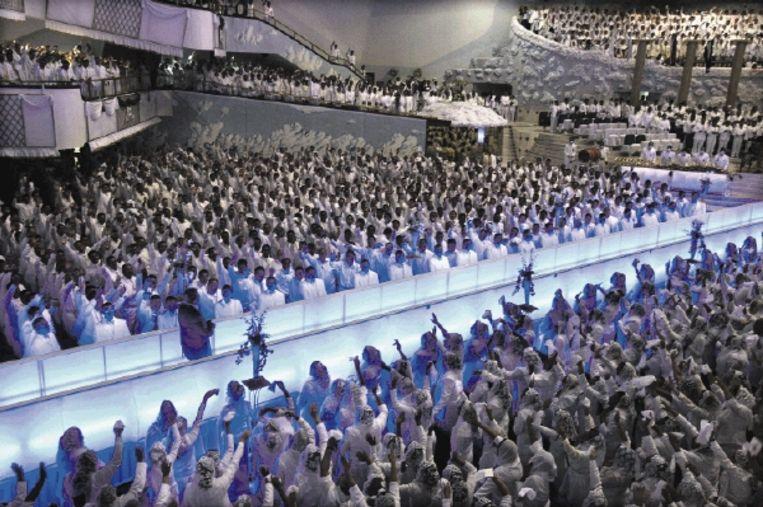 Samenwerking met charismatische kerken in het Zuiden moet je niet afkeuren, maar omarmen, vindt Gerrie ter Haar. De Mexicaanse Primitive Christian Church is zo¿n kerk. (FOTO AP) Beeld AP