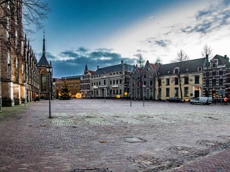 CDA-raadslid verbaast zich over auto-evenement op 'autovrij' gemaakt Grote Kerkhof in Deventer