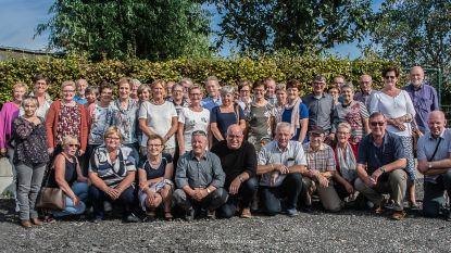 Gezellig feestje: 65-jarigen van Aalter genieten samen van Piconroute