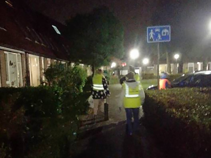 In de buurt werd gecontroleerd op openstaande poorten en schuurdeuren en niet goed afgesloten voertuigen.
