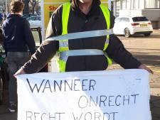 Gele hesjes in Enschede vastberaden en vredelievend