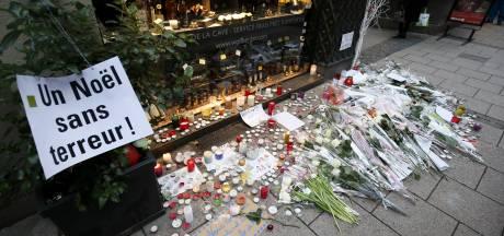 Opgelucht Straatsburg heropent kerstmarkt 'onder rouwsluier'