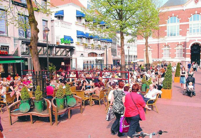Het Raadhuisplein in Apeldoorn