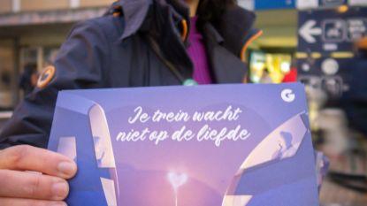 """""""Je trein wacht niet op de liefde"""": groen wil later aanbod voor bus en trein"""