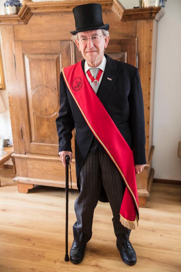 Gildebroeder Leo Kouijzer is vijftig jaar lid van het gilde in Mierlo.