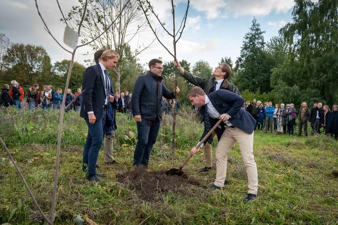 Studenten van Van Hall Larenstein zijn begaan met groen. Zo werd afgelopen najaar op het terrein bij de school nog een voedselbos aangelegd.