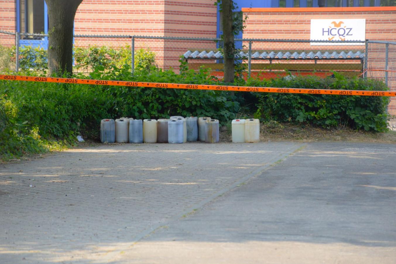Drugsvaten op de parkeerplaats bij hockeyclub HCQZ in Nijmegen