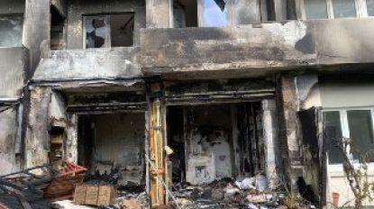 Hevige brand in appartementen in Elsene, bewoonster in zorgwekkende toestand naar ziekenhuis overgebracht