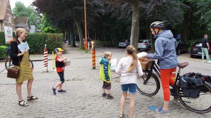 Oudercomité beloont ouders die wél correct parkeren aan basisschool Prinsenhof