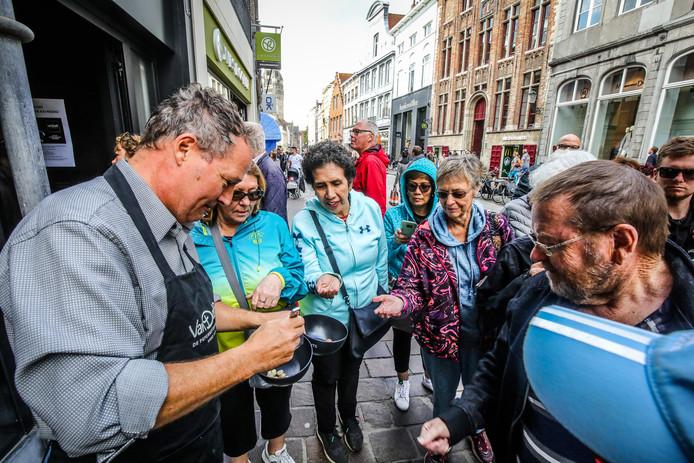 Brugge opening pepernotenwinkel Van Delft