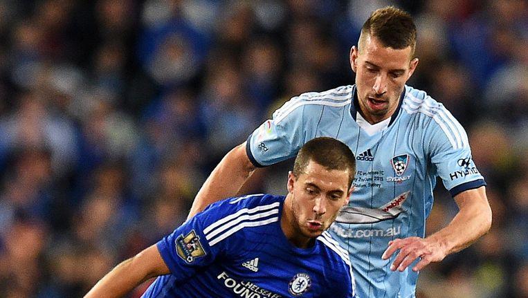 Nikola Petkovic, hier in duel met Eden Hazard toen die met Chelsea enkele weken terug op tournee was door Australië.
