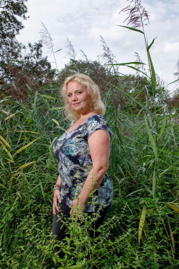 Wendy Peeters hielp de Korenaer overeind na het spoordrama in Oss.
