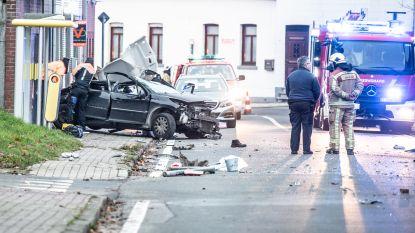 Twintiger uit Lierde komt om het leven en passagier raakt zwaargewond bij verkeersongeval in Brakel