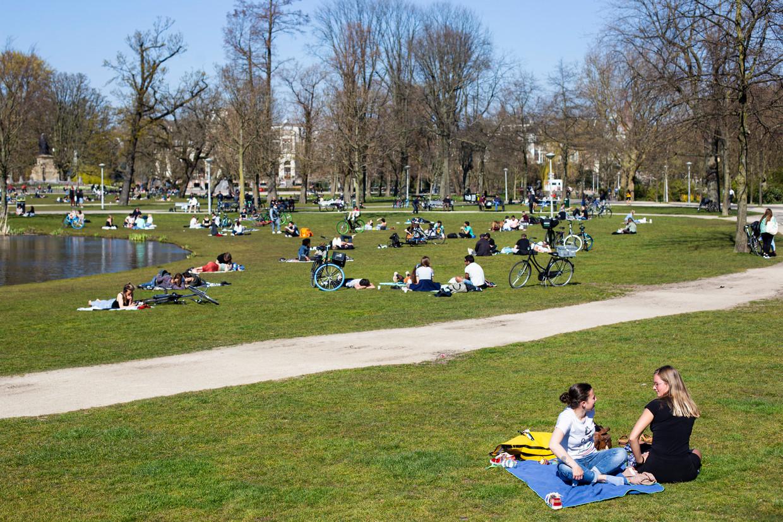 Het Vondelpark. Beeld Maarten Brante
