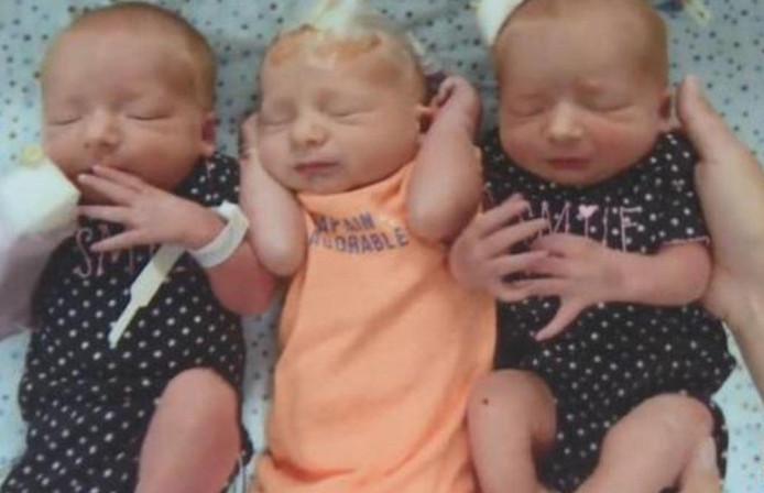 Blaze, Gypsy et Nikki, un petit garçon et deux fillettes, se portent à merveille. Tout comme la maman, dont la famille est passée de quatre à sept membres en quatre minutes à peine.