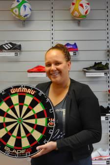 Sporterspaar opent winkel in Oost-Souburg met eigen sectie voor darters