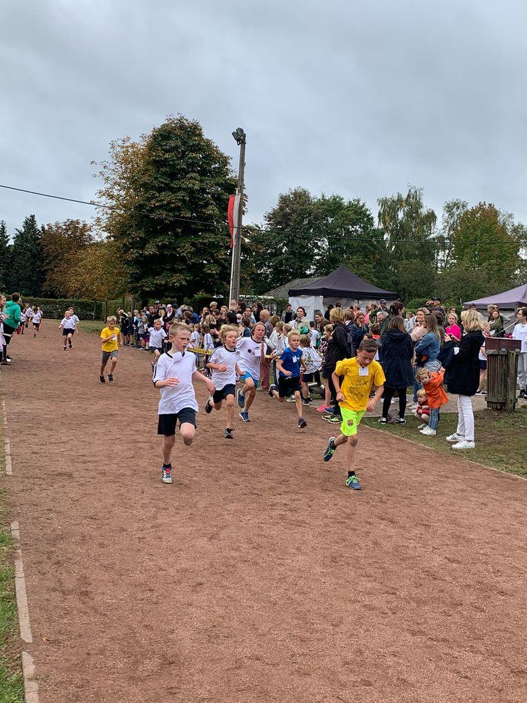 Bijna 500 leerlingen lieten zich van hun sportiefste kant zien.