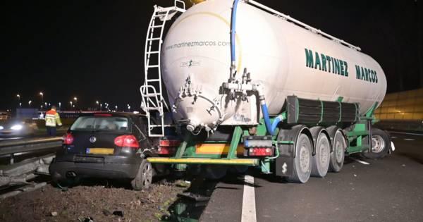 Tilburgse automobilist zonder rijbewijs betrokken bij ongeluk A16.