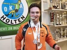 Wereldkampioen Thomas (20) maakt Holten trots: 'Geen idee dat ze dit voor me aan het regelen waren'