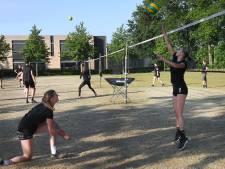Volleybalsters FAST gaan niet de zaal in en kiezen voor pauze