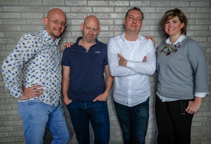 De AD Mediapodcast met vlnr Alexander van Eenennaam (presentator), mediaverslaggevers Dennis Jansen en Gudo Tienhooven en tv-columniste Angela de Jong.