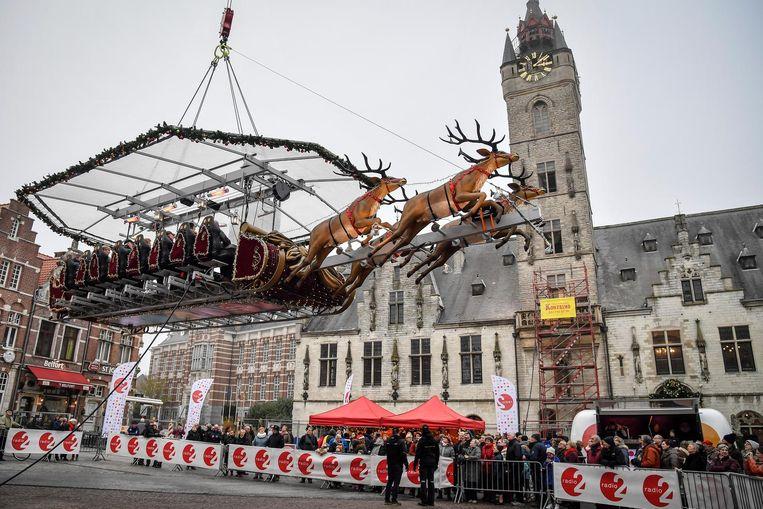 Vanuit de attractie Santa in the Sky kregen inzittenden een uitzicht over de hele stad.