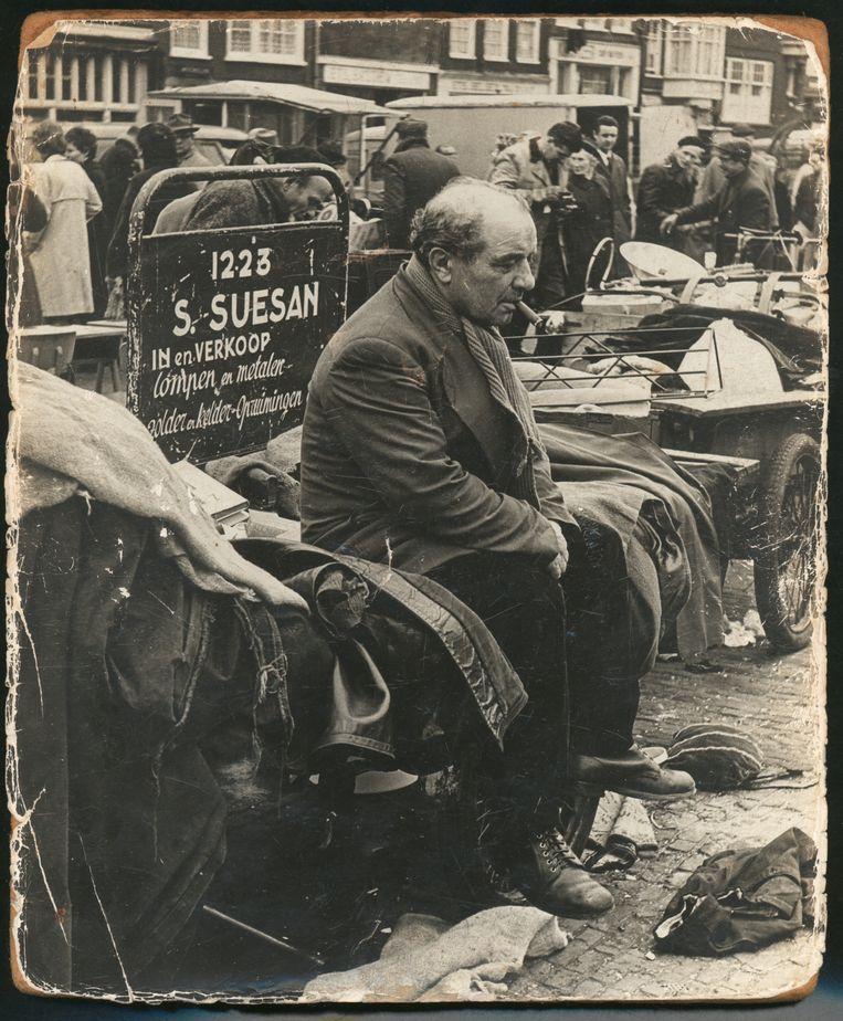 Simon Suesan was een handelaar, ca. 1960, 1967. Fotograaf Onbekend. Beeld Collectie Joods Historisch Museum