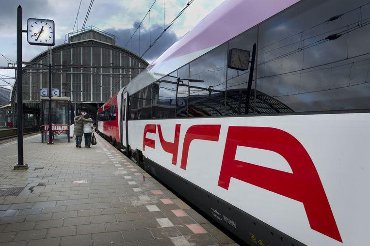 Een Fyra trein op Amsterdam CS, december 2012. Beeld ANP