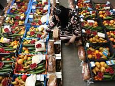 Alle hens aan dek bij Rotterdamse voedselbanken door coronacrisis: 'Het is een gekkenhuis'