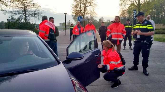 In sommige gemeenten helpen buurtpreventiegroepen de politie bij onder meer voertuigcontroles.
