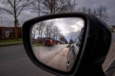 Camera's gaan de kentekens van alle voertuigen op de Van Heemstraweg bij Leeuwen registreren