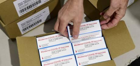 Les premiers vaccins de Moderna administrés dès la semaine prochaine