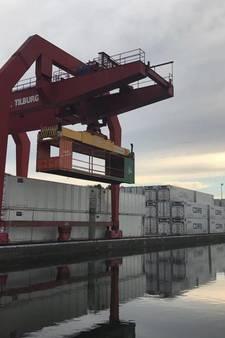 """FloatFest bouwt dj-booth in kraanbaan: ,,Draaitafel hangt straks boven de rubberbootjes"""""""
