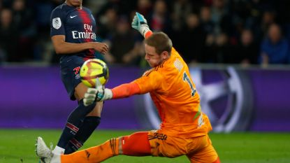 FT buitenland. Matz Sels verpest titelfeest PSG - PSV is leider af - Kahn wordt voorzitter Bayern - Horrortackle Rooney