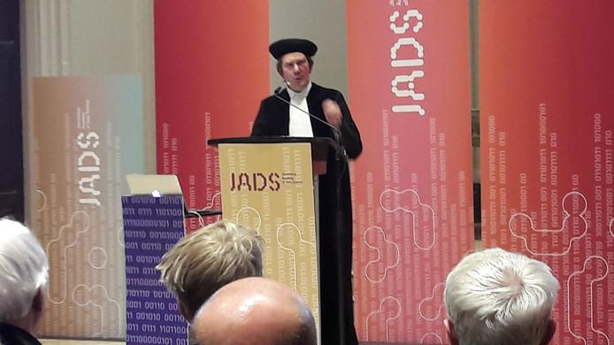 Maurits Kaptein tijdens zijn oratie in de kapel van JADS.