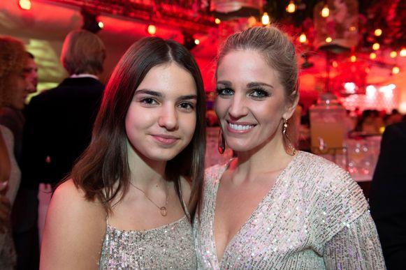 Eveline Hoste met haar dochter Helene Victoire.