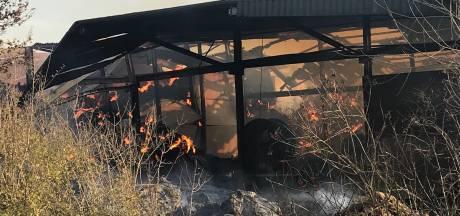 5000 ton hooi en stro in Philippine blijft nog dagen branden