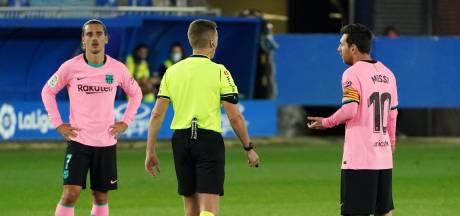FC Barcelona niet voorbij tien man Alavés, woeste Messi schiet bal tegen scheidsrechter aan