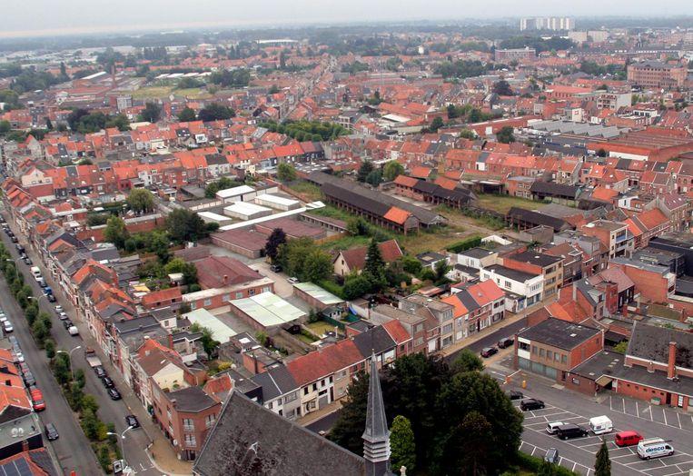 Links de Elisabethlaan, onderaan de Paterskerk en rechtsonder de Truweelstraat, met centraal het binnengebied waar nog enkele oude gebouwen van de voormalige houtzagerij staan. Die 8.500 m2 grote site wordt een gloednieuwe woonbuurt.