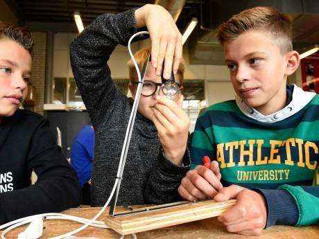 Leesplezierdag op Kalsbeek College: 'Ik lees eigenlijk nooit een boek'