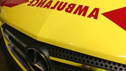 Bromfietser gewond na aanrijding in Zandstraat