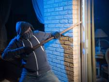 Bewoner met steekwapen bedreigd bij inbraak in Swifterbant