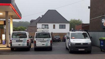 Ruziënde Poolse bouwvakkers uit veel te krappe rijwoning gezet, na klachten over geluidsoverlast