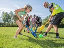 Goese jeugd vermaakt zich met een potje knotshockey