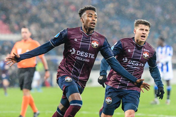 Een fout van Mike Trésor Ndayishimiye leek een gouden kans voor Heerenveen op te leveren. Willem II herstelde zich en uitgerekend Ndayishimiye maakte meteen de 0-1.
