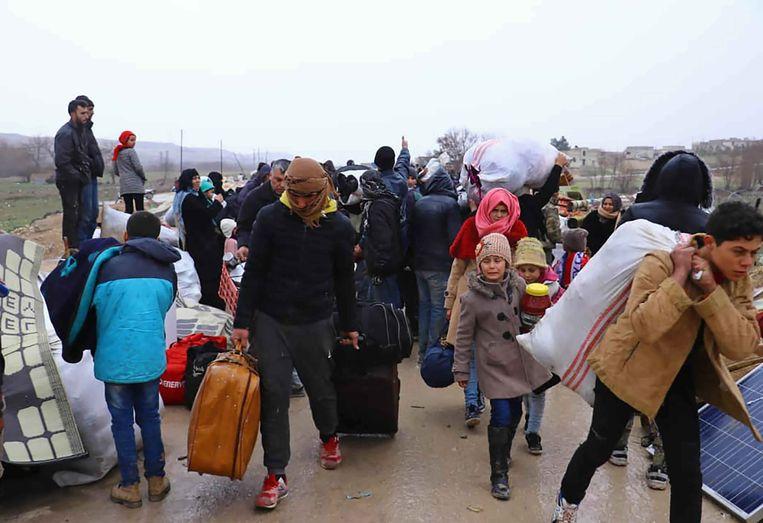 Het VN-Bureau voor de Coördinatie van Humanitaire Zaken (OCHA) meldt dat sinds december zo'n 700.000 mensen op de vlucht zijn geslagen.