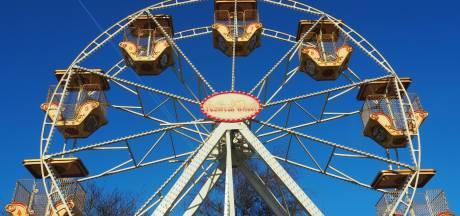Theater in reuzenrad: verbinding op 18 meter hoogte