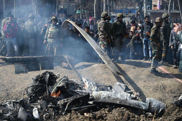 Een van de twee neergehaalde jets kwam in het Indiase deel van Kasjmir terecht (foto). Het andere toestel crashte op Pakistaans grondgebied.
