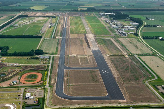 Uitbreiding vliegveld Lelystad. foto is genomen vanaf het westen richting het oosten.